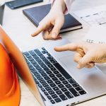 Why Online Work Station Safety Training Works in Construction